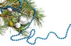 Decoraciones de la Navidad con los granos azules Fotos de archivo libres de regalías