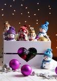 Decoraciones de la Navidad con los juguetes en caja Foto de archivo libre de regalías