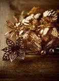 Decoraciones de la Navidad del vintage en fondo de madera Imágenes de archivo libres de regalías