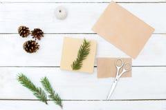 Decoraciones de la Navidad Detalles para el regalo hecho a mano Endecha plana foto de archivo