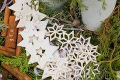 Decoraciones de la Navidad en el mercado en Berlín, Alemania Imágenes de archivo libres de regalías