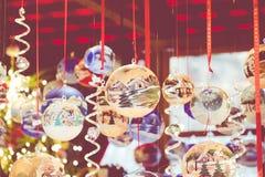Decoraciones de la Navidad en el mercado en Berlín, Alemania Fotos de archivo libres de regalías