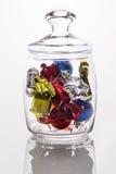 Decoraciones de la Navidad en el tarro de cristal Imagen de archivo libre de regalías