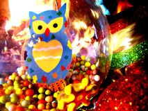 Decoraciones de la Navidad en la hermosa vista imagen de archivo