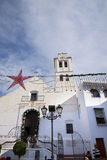 Decoraciones de la Navidad en la ciudad de Frigiliana España Fotografía de archivo libre de regalías