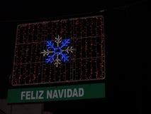 Decoraciones de la Navidad en la ciudad de Nerja España Foto de archivo libre de regalías