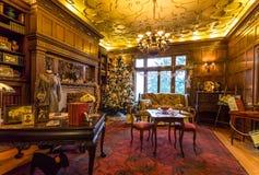 Decoraciones de la Navidad en la mansión de Pittock Fotos de archivo libres de regalías