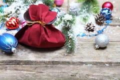 Decoraciones de la Navidad en la nieve Imagen de archivo