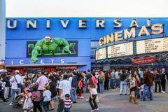 Decoraciones de la Navidad en los cines universales fotos de archivo libres de regalías