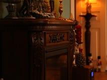 Decoraciones de la Navidad en los muebles del vintage metrajes