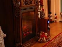 Decoraciones de la Navidad en los muebles del vintage almacen de metraje de vídeo