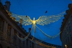 Decoraciones de la Navidad en Regent Street en Londres central, Reino Unido imagenes de archivo