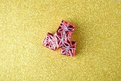 Decoraciones de la Navidad y del Año Nuevo en fondo del brillo Imágenes de archivo libres de regalías