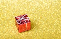 Decoraciones de la Navidad y del Año Nuevo en fondo del brillo Foto de archivo