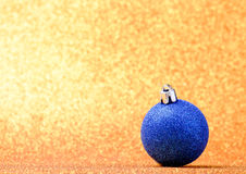 Decoraciones de la Navidad y del Año Nuevo en fondo del brillo Imagen de archivo libre de regalías