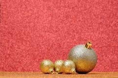 Decoraciones de la Navidad y del Año Nuevo en fondo del brillo Fotos de archivo