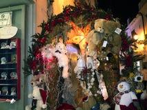 Decoraciones de las marionetas y de la Navidad en la ciudad de Nerja España Fotografía de archivo libre de regalías