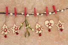 Decoraciones de madera de la Navidad Imágenes de archivo libres de regalías