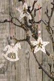 Decoraciones de madera de la Navidad Foto de archivo libre de regalías