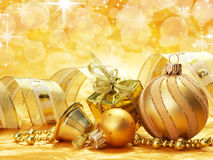 Decoraciones de oro del día de fiesta Imagenes de archivo
