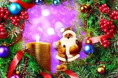 Decoraciones de Papá Noel y de la Navidad Foto de archivo libre de regalías