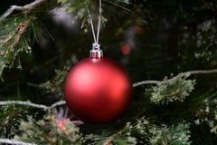 Decoraciones del árbol de navidad imagen de archivo