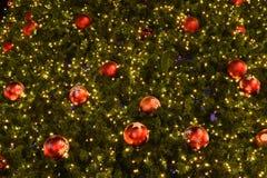 Decoraciones del árbol de navidad del primer Foto de archivo libre de regalías