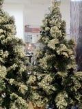 Decoraciones del árbol de navidad en la forma de conos Fotografía de archivo libre de regalías