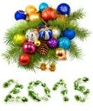 Decoraciones del árbol de navidad en un fondo blanco Imagen de archivo