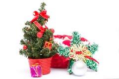 Decoraciones del árbol de navidad y de la Navidad Imagen de archivo libre de regalías