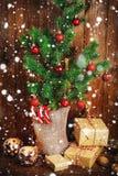 Decoraciones del árbol de navidad y de la Navidad Foto de archivo libre de regalías