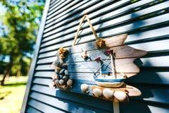 decoraciones del tema del mar Foto decorativa y artículos marinos en la madera fotos de archivo libres de regalías
