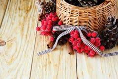 Decoraciones en cesta Foto de archivo libre de regalías