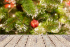 Decoraciones en el árbol de navidad, fondo de la Navidad Fotos de archivo libres de regalías