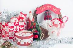 Decoraciones festivas de la Navidad Imágenes de archivo libres de regalías