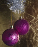 Decoraciones festivas del árbol de navidad Imagen de archivo libre de regalías