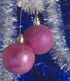 Decoraciones festivas del árbol de navidad Fotos de archivo libres de regalías