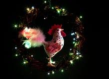 Decoraciones hechas a mano de los gallos del arte Tarjeta de la plantilla del día de fiesta de la Feliz Año Nuevo y de la Feliz N Imágenes de archivo libres de regalías