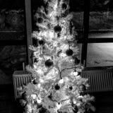 Decoraciones newyear de la Navidad de las guirnaldas de la Navidad fotografía de archivo