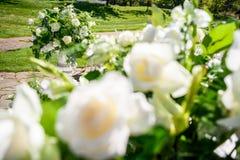 Decoraciones para la ceremonia de boda Florece el primer Fotografía de archivo libre de regalías