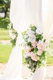 Decoraciones para la ceremonia de boda Florece el primer Imágenes de archivo libres de regalías