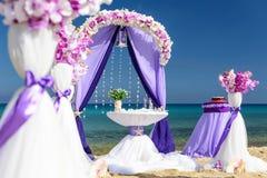 Decoraciones para las bodas en el océano Fotos de archivo
