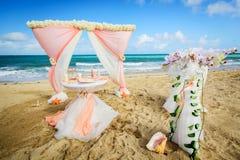 Decoraciones para las bodas en el océano Imagen de archivo
