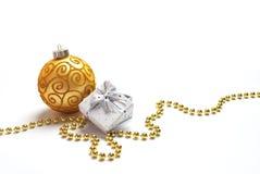 Decoraciones y regalo de la Navidad Imagen de archivo libre de regalías
