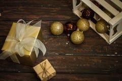 Decoraciones y regalos de la Navidad foto de archivo