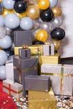Decorado com a decoração colorida dos balões para a fotografia Photozone imagens de stock