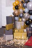 Decorado com a decoração colorida dos balões para a fotografia Photozone foto de stock royalty free