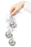 Decorando a árvore de Natal Fotografia de Stock