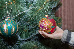 Decorate the Christmas tree Royalty Free Stock Image