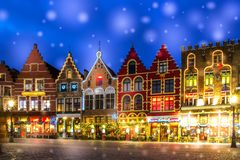Free Decorated And Illuminated Market Square In Bruges, Belgium Stock Photography - 136945532